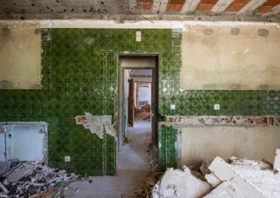 Rehabilitation of an Apartment at Travessa de Santa Quitéria, Lisbon